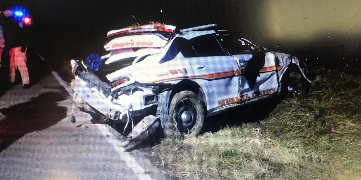 Virginia deputy crashes responding to call, charged with reckless driving