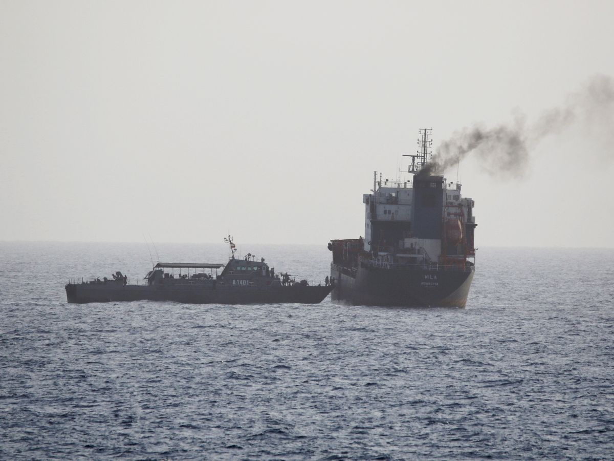 US says Iran briefly seizes oil tanker near Strait of Hormuz