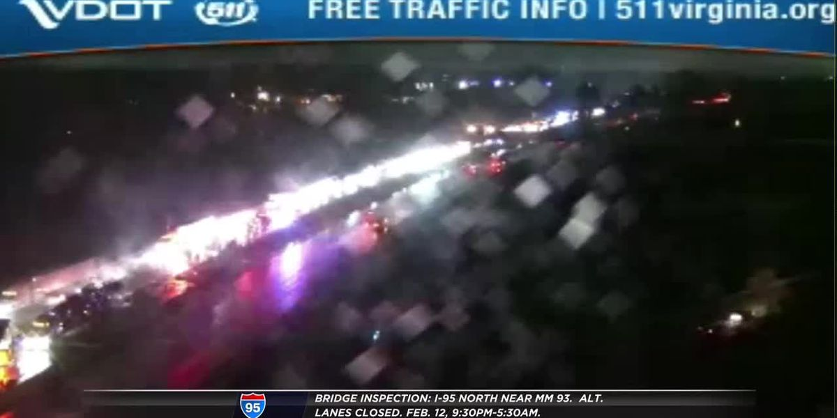 Crash closes lanes of southbound I-95
