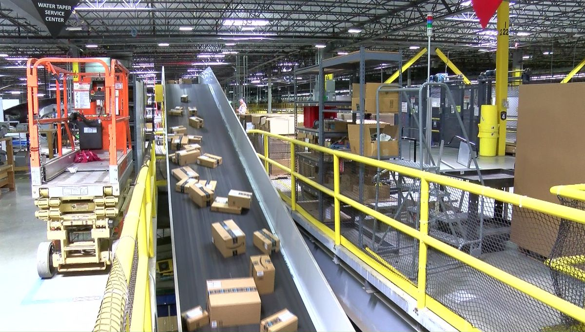 Amazon Offers Tours Of Chester Fulfillment Center