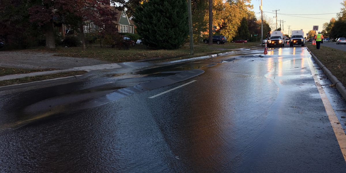 Water main break closes southbound lanes of Lakeside