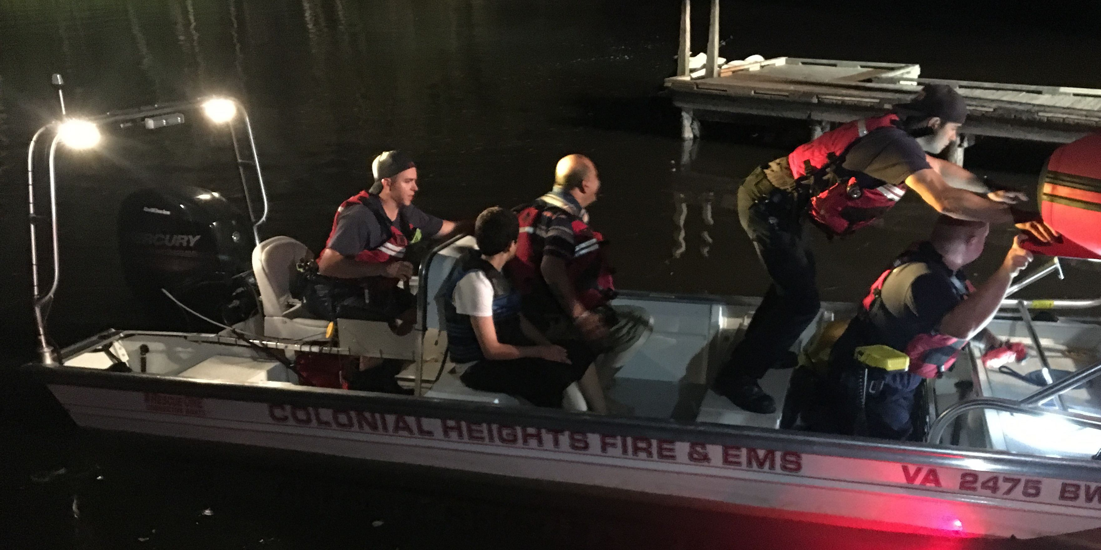 2 adults, 3 juveniles rescued after jet skis get stuck in Appomattox River