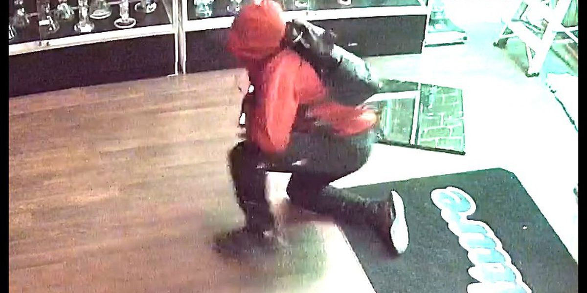 Police: Man jumped headfirst into glass door before burglarizing business