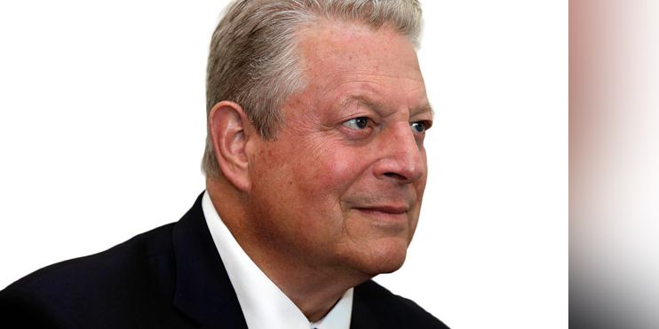 Al Gore meets with residents fighting gas pipeline station