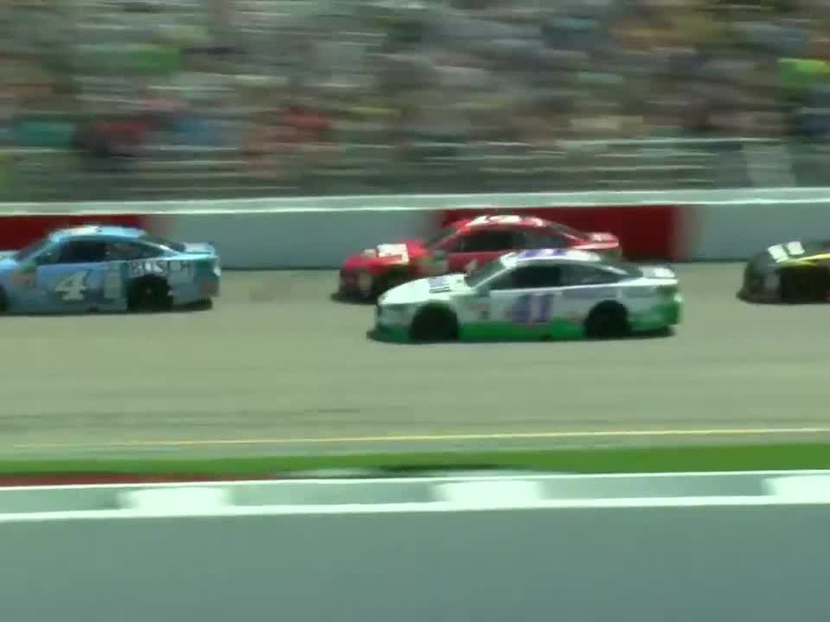 NASCAR keeps drivers, fans going with iRacing