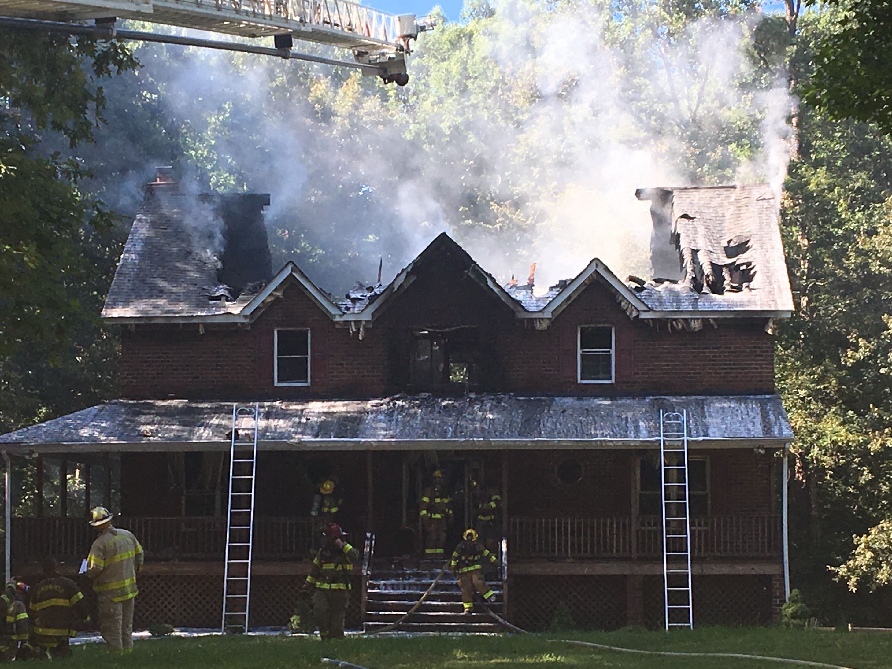 Fire destroys Chesterfield home; no injuries reported