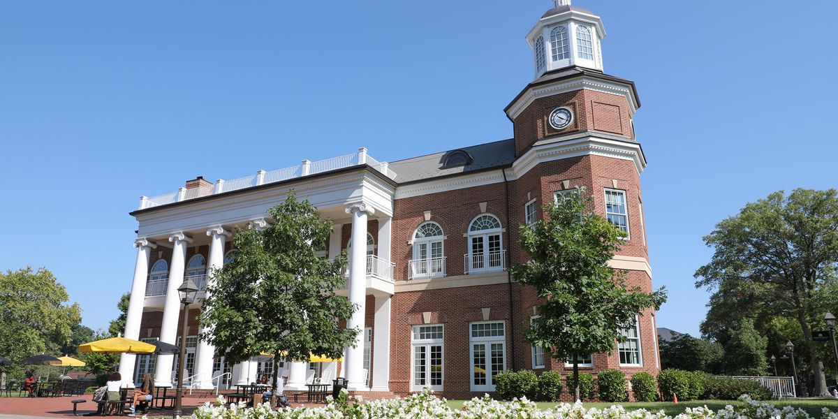 Randolph-Macon College to ban smoking, vaping