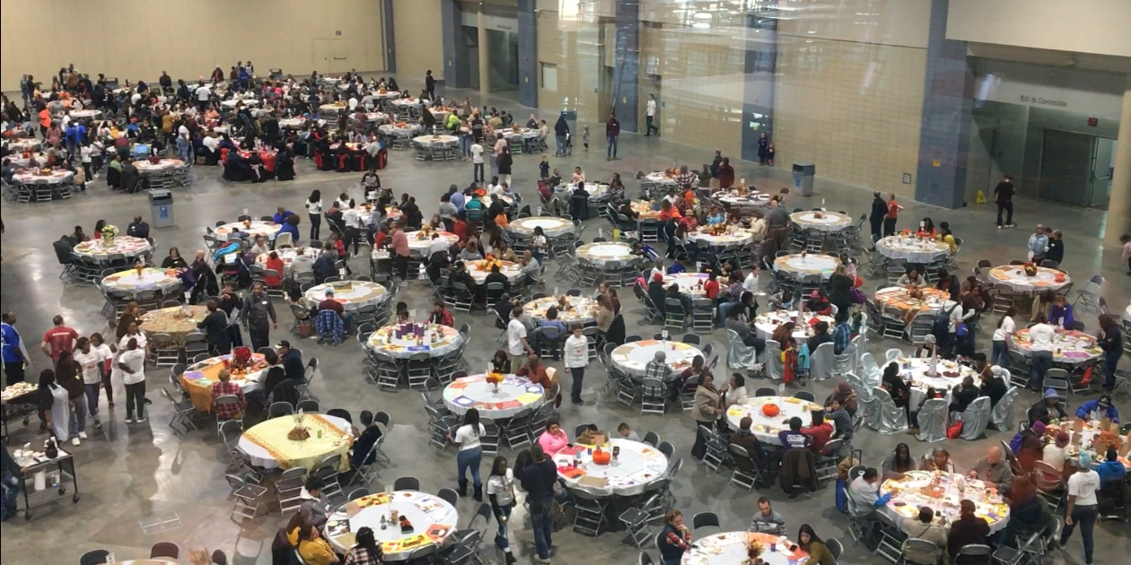 Giving Heart hosts free Thanksgiving feast for community
