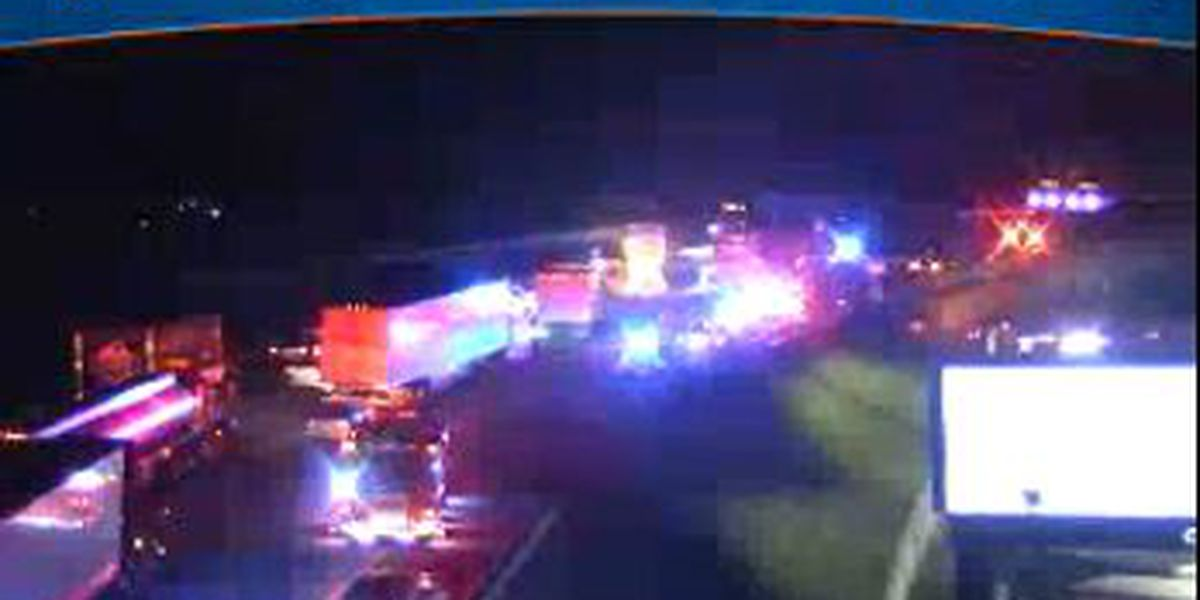 Crash shuts down I-64 East in Henrico