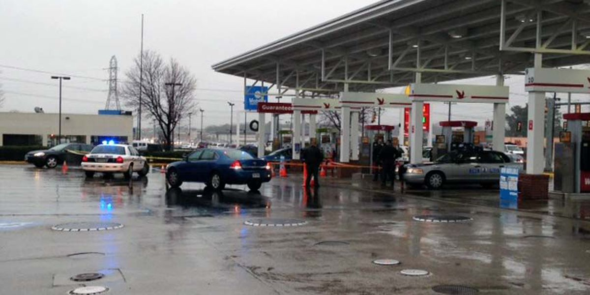 Officer at Chesterfield Wawa arrests gunman after shots fired