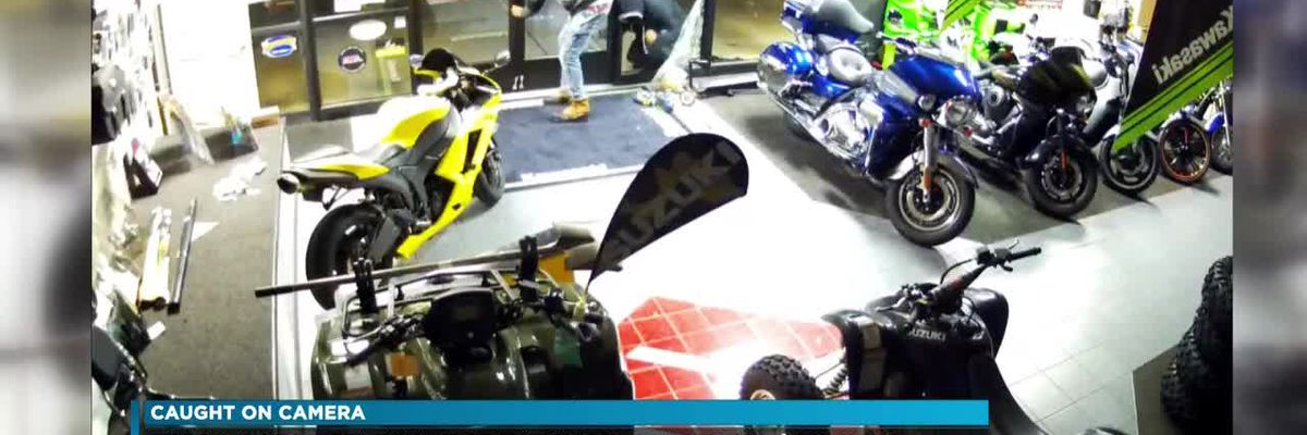 Video: Men steal dirt bikes from Henrico store