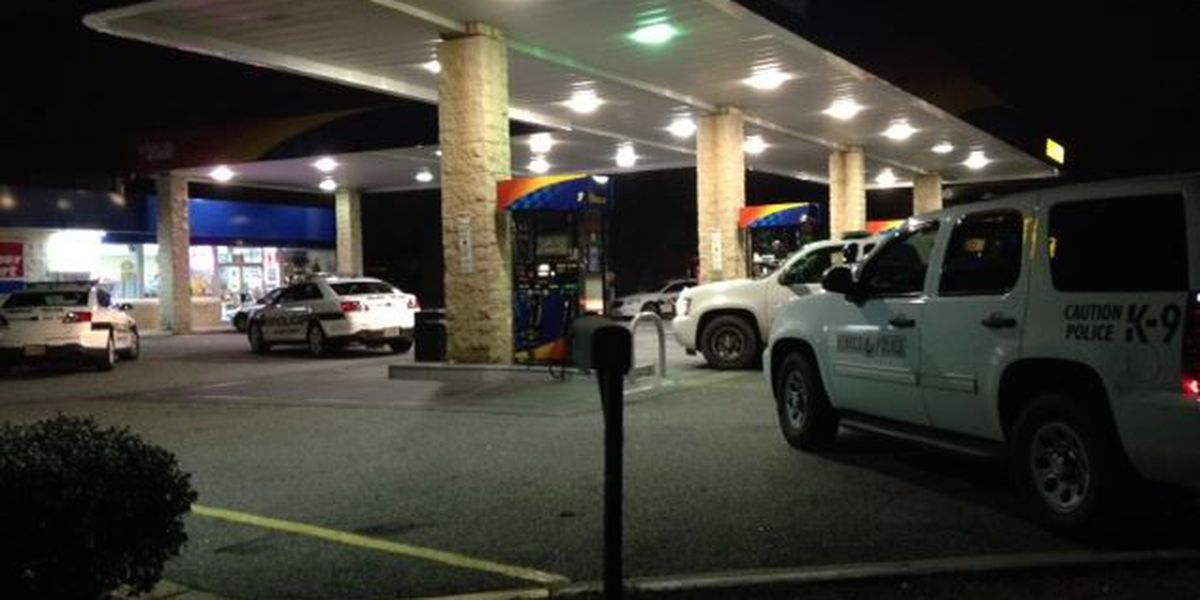 Police searching for masked suspect robbing gas station in Henrico