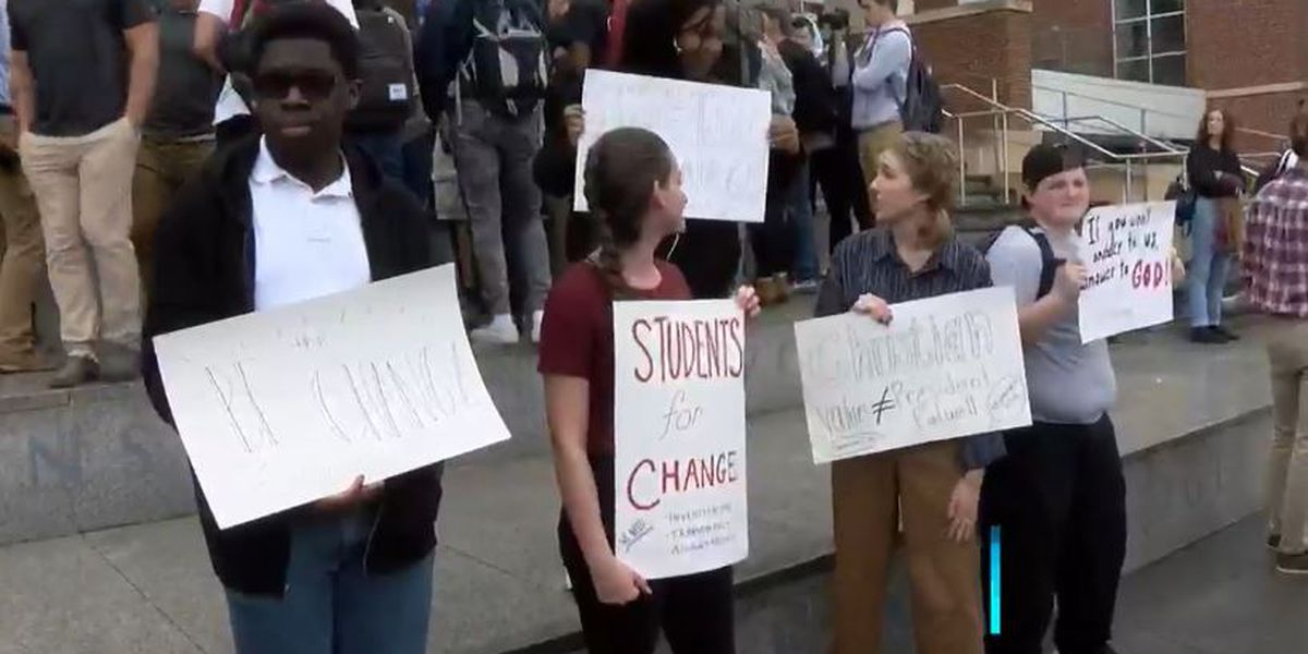 Liberty students share concerns, praise for Falwell following media reports