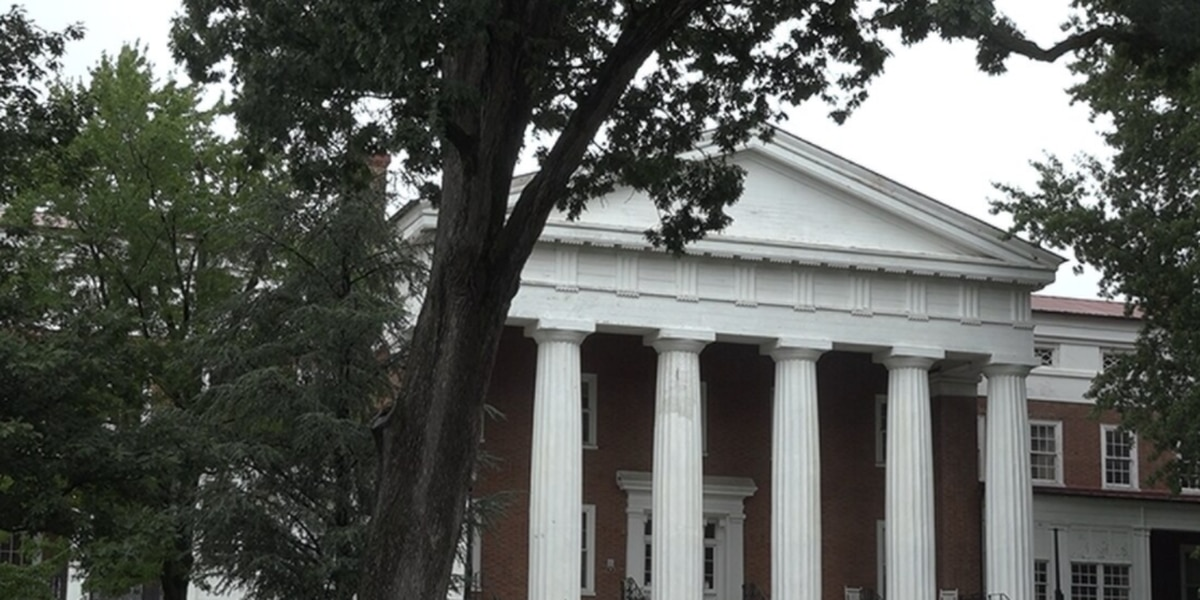 Virginia School for the Deaf and the Blind welcomes students back to campus