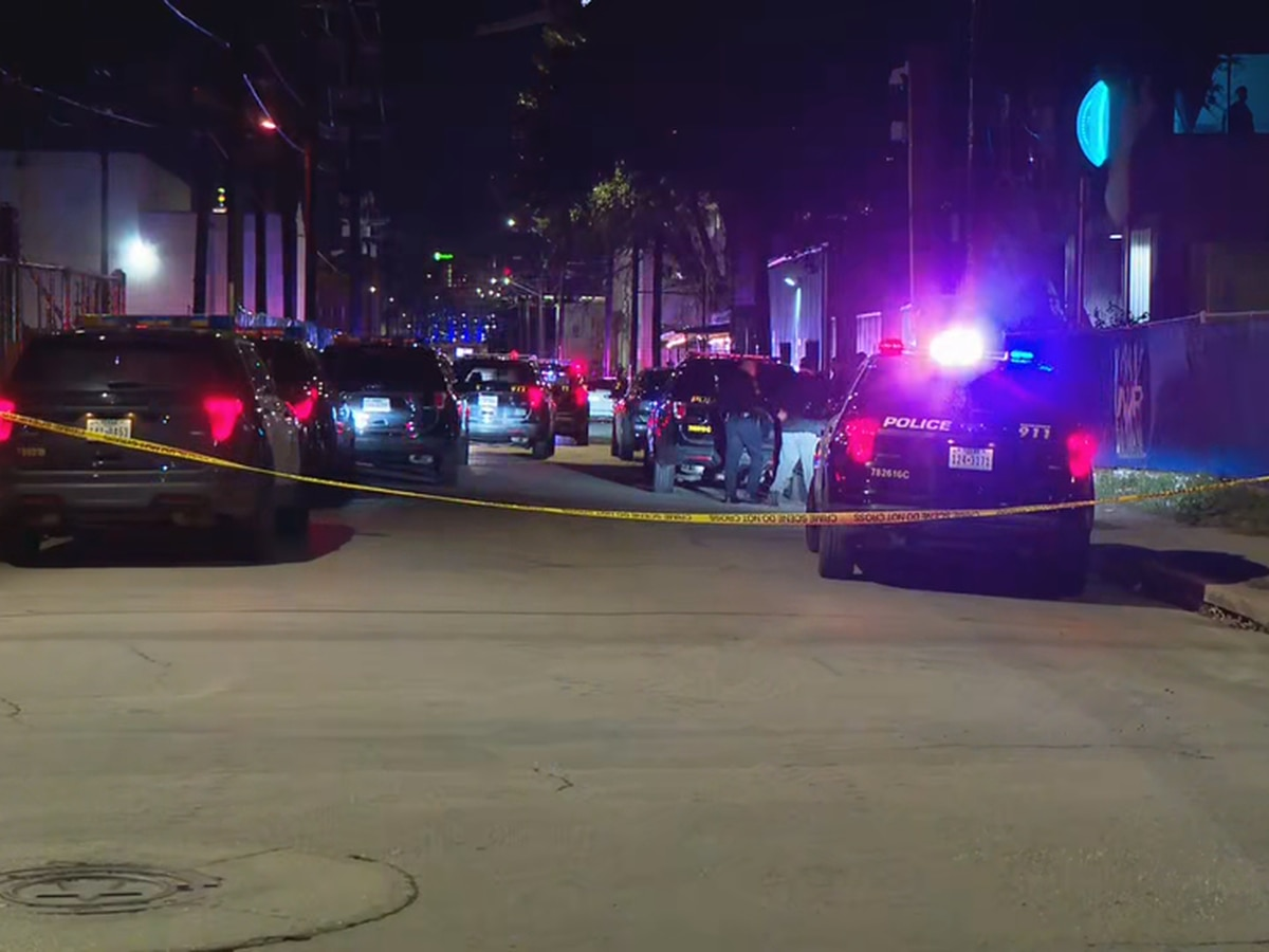 Police: 2 dead, 5 injured after shooting in San Antonio club
