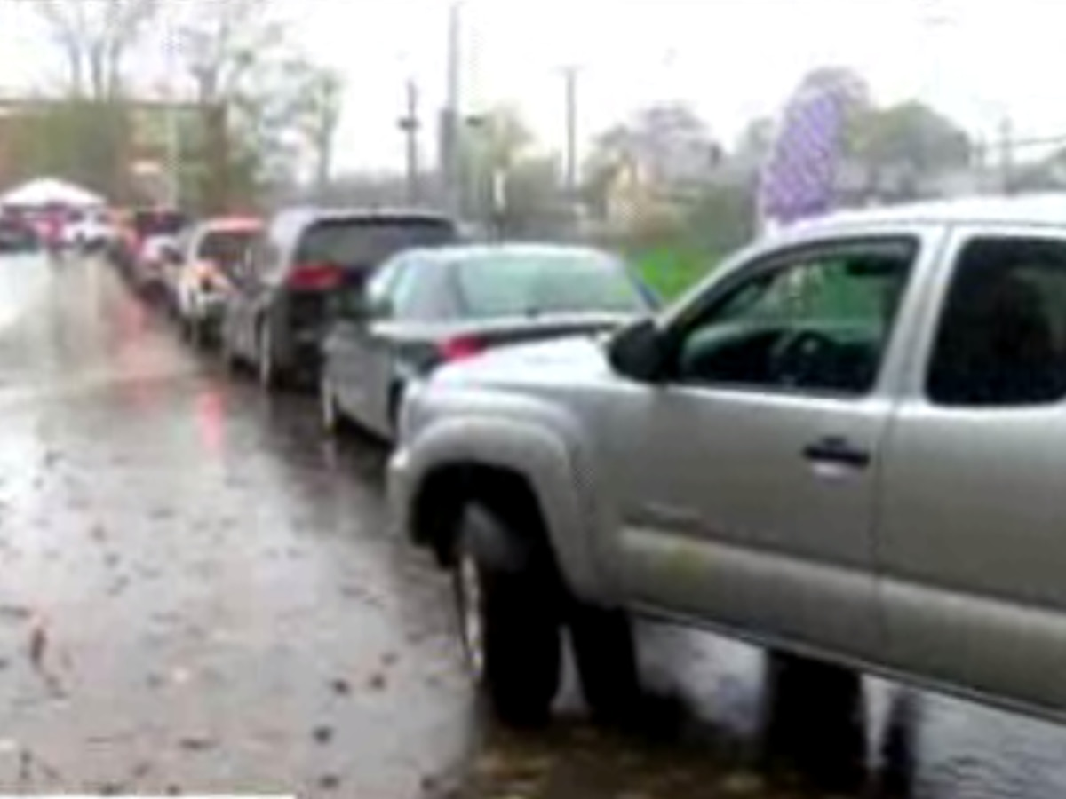 Voters experience long line at Powhatan County's drive-thru option