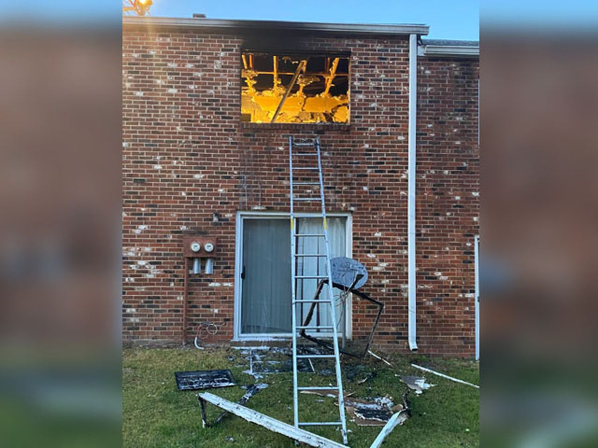 4 adults, 2 children displaced after Chesterfield apartment fire