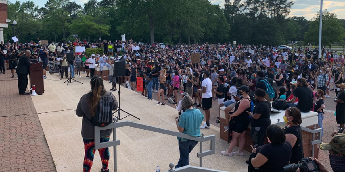 Group marches peacefully in Chesterfield for equal justice