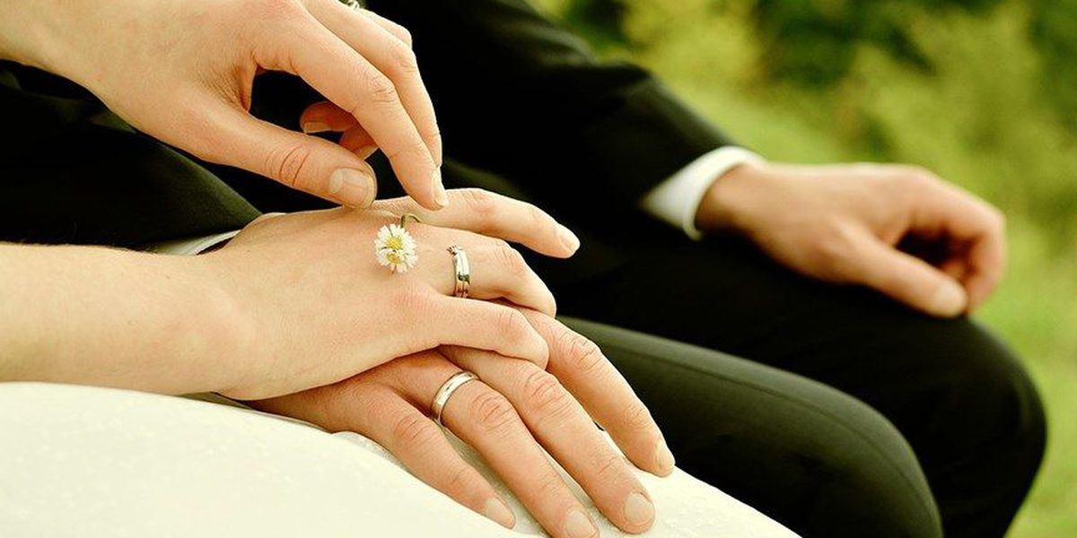 Planning a wedding? Set your priorities to save money
