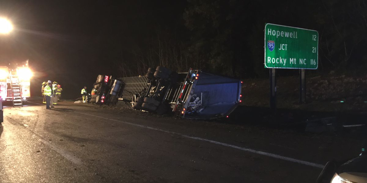 Semi driver charged after swerving to avoid hitting deer, crashing