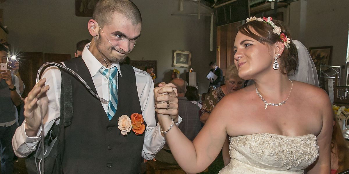Cancer patient who married love of his life passes away
