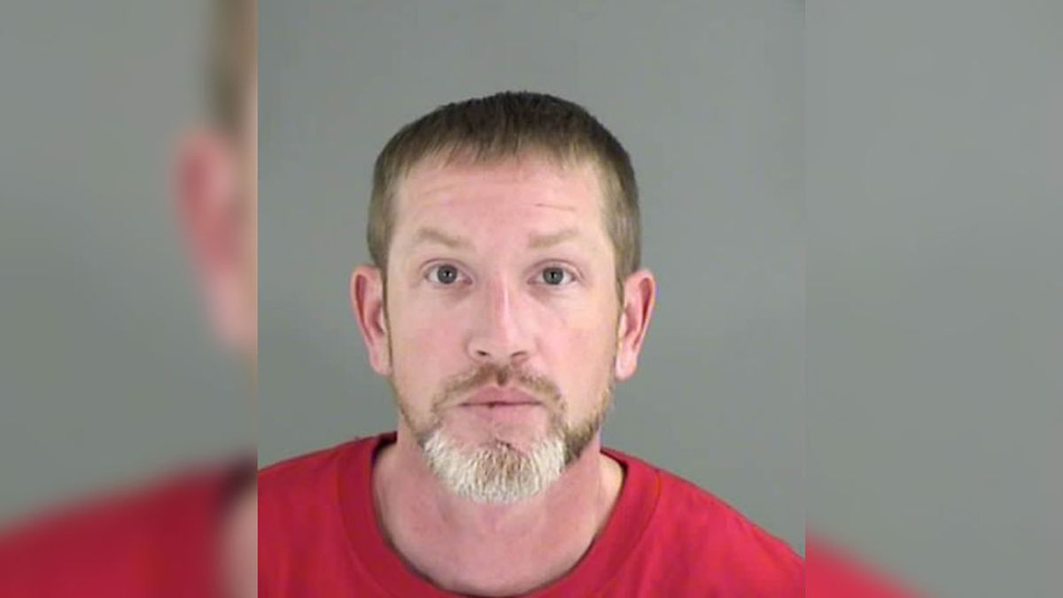 Man charged for inappropriate contact with minors