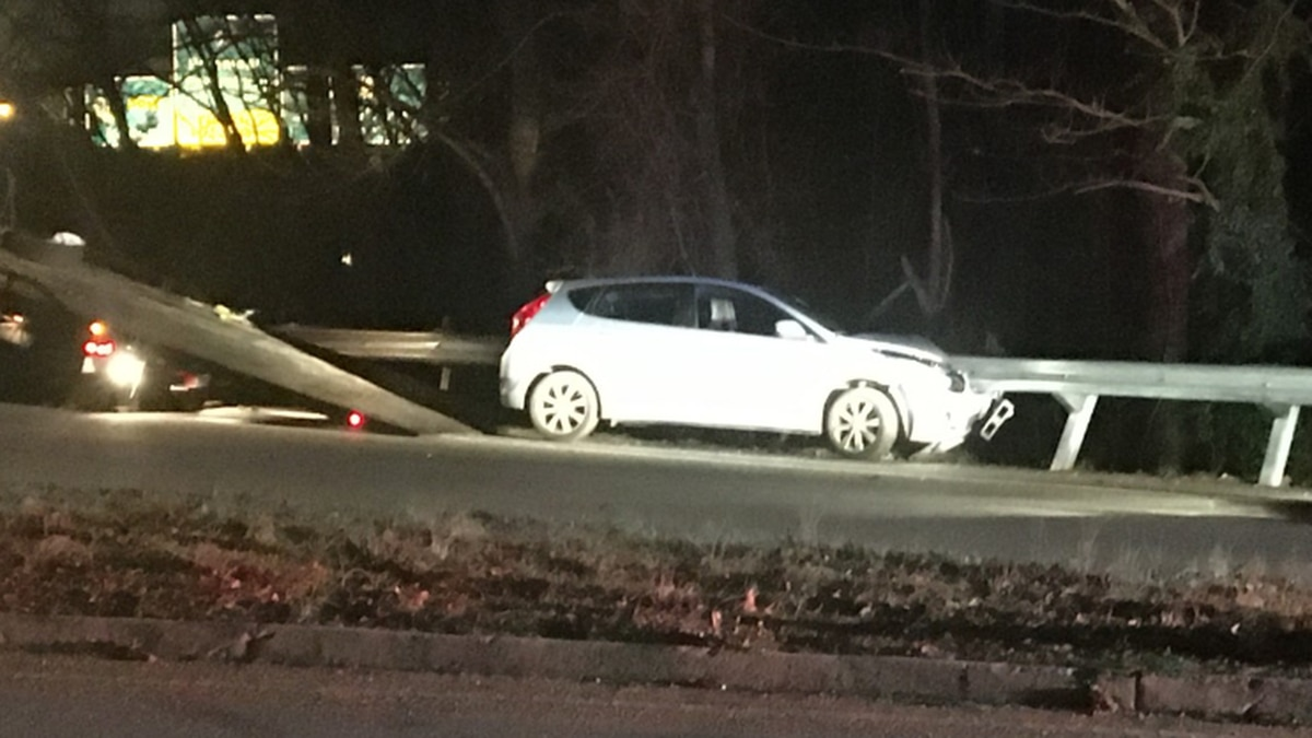 Police: Driver arrested after trying to run from crash scene