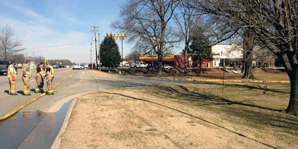 Brush fire forces evacuation of Hull St. Waffle House