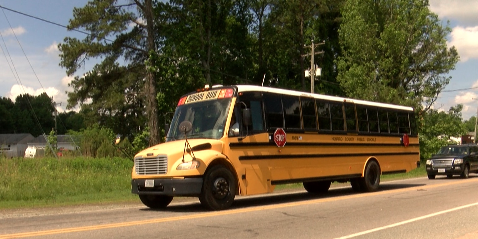 Police: School bus carrying students involved in hit-and-run, driver found