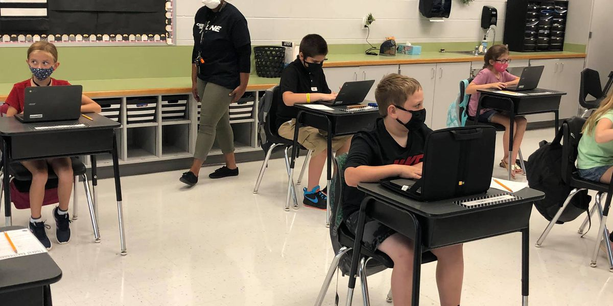 Louisa County students head back to school with hybrid model