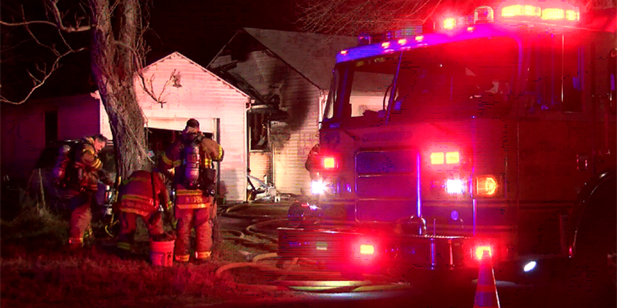 5 people, including 2 juveniles, displaced after Chesterfield house fire