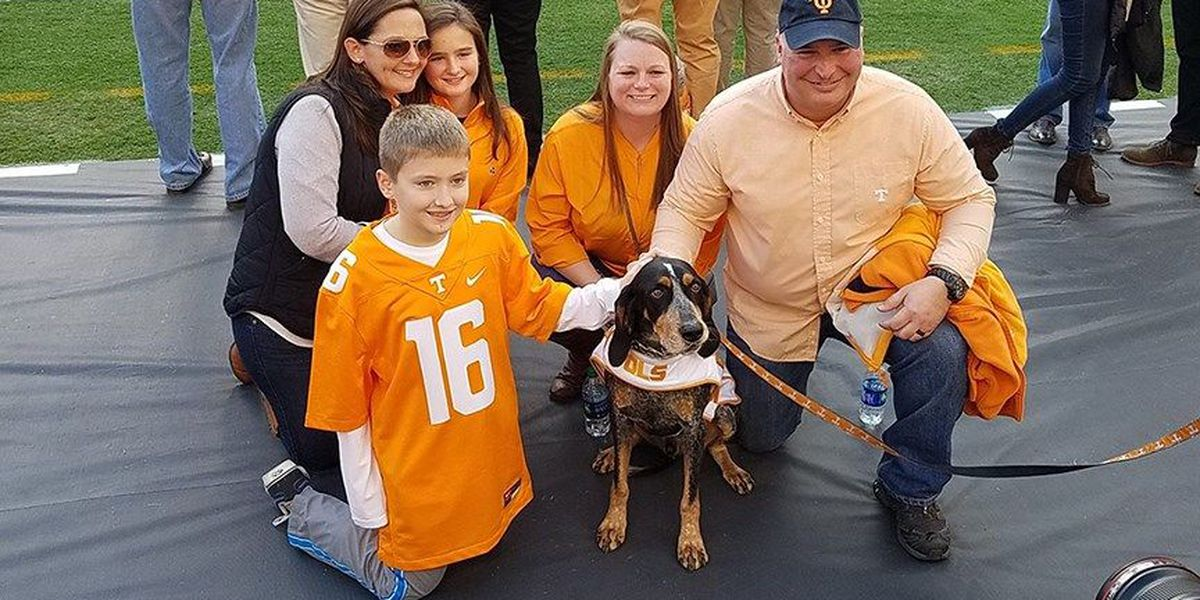 Trooper's family gets VIP treatment at Tennessee football game