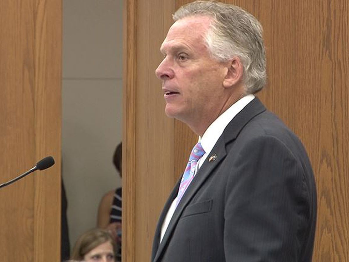 Former Virginia Gov. Terry McAuliffe becomes CNN commentator