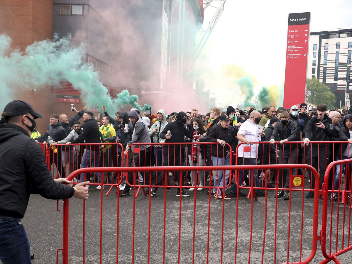 Man United's game off after fans storm stadium in protest