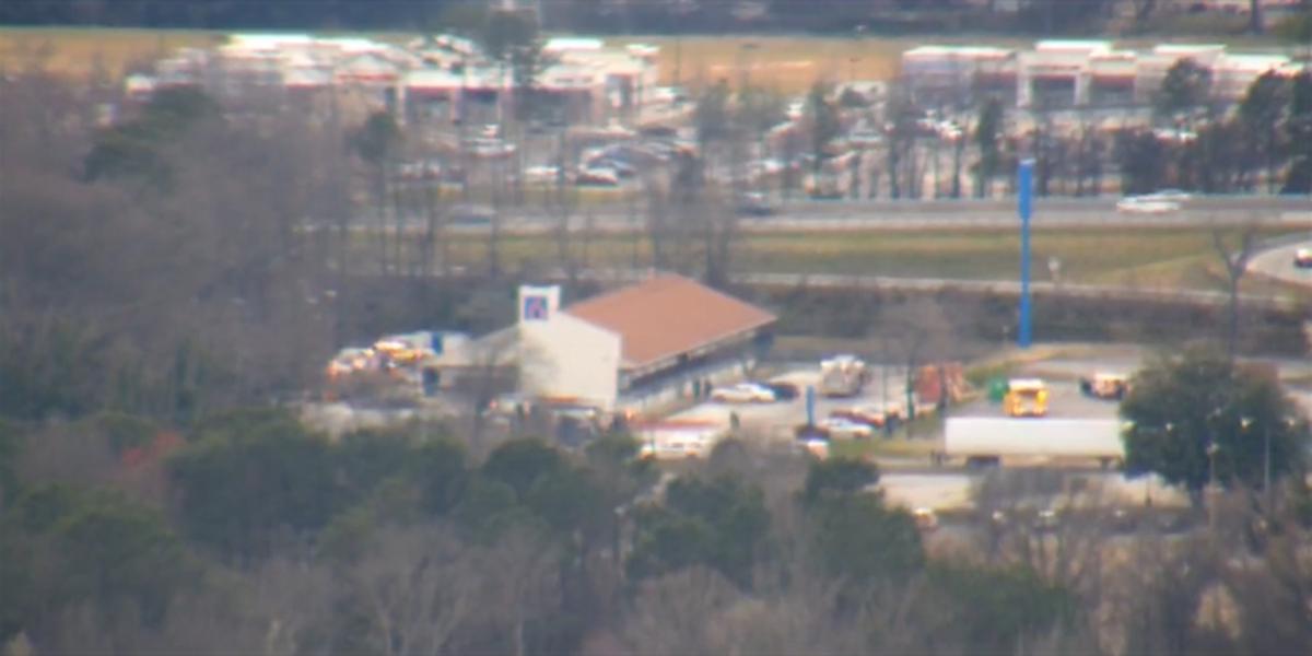 Firefighters battle 2-alarm fire at Richmond motel
