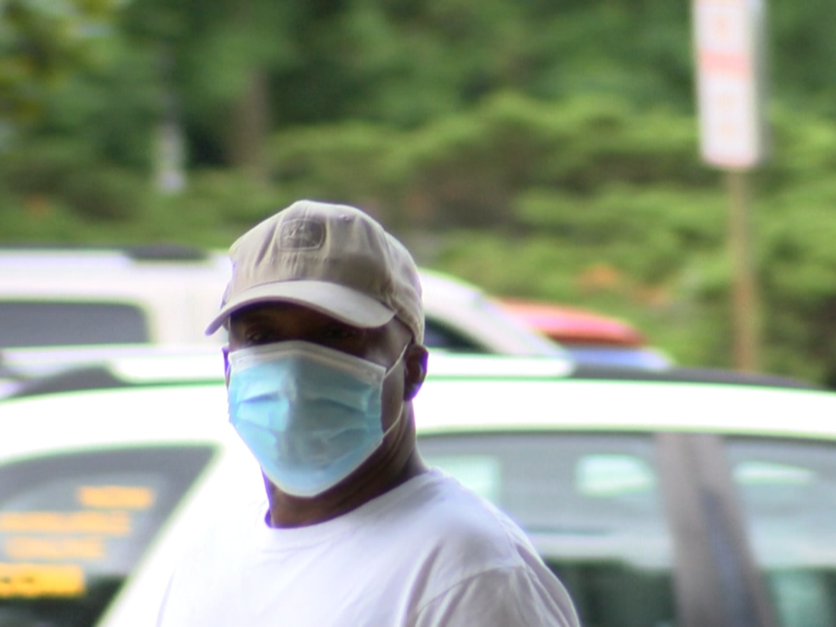 Tips on how to stay safe in high temperatures while wearing masks