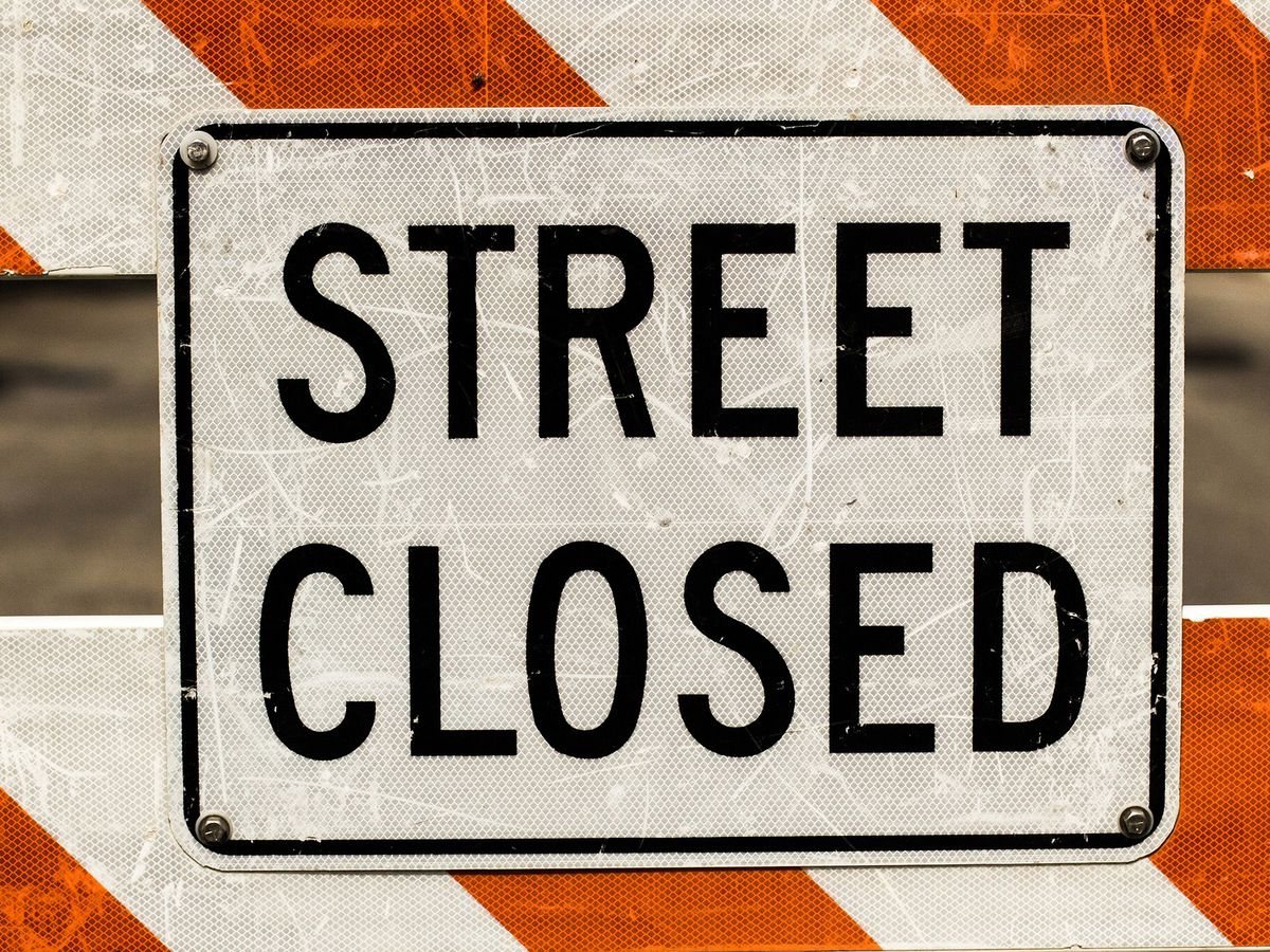 Water main break closes Richmond street