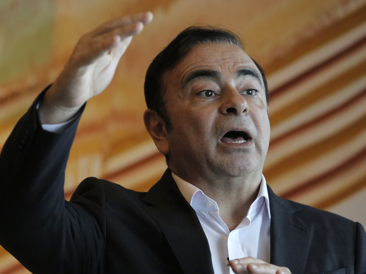 Renault keeps Ghosn as CEO despite arrest in Japan