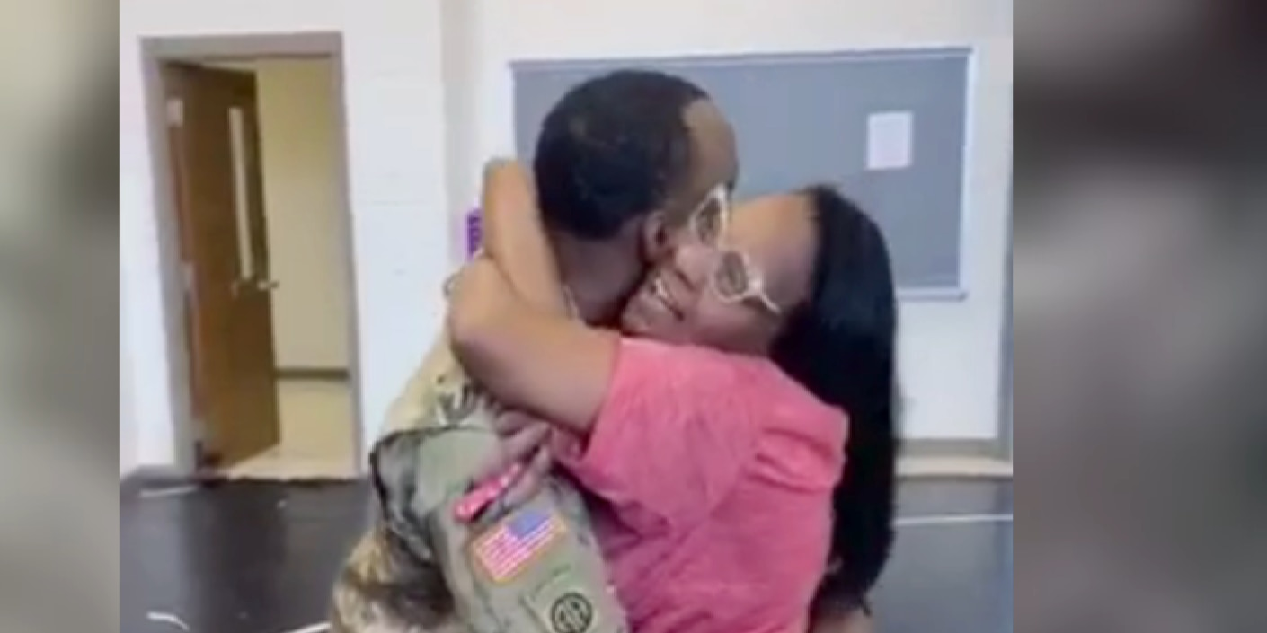 Soldier surprises mother with return home from deployment