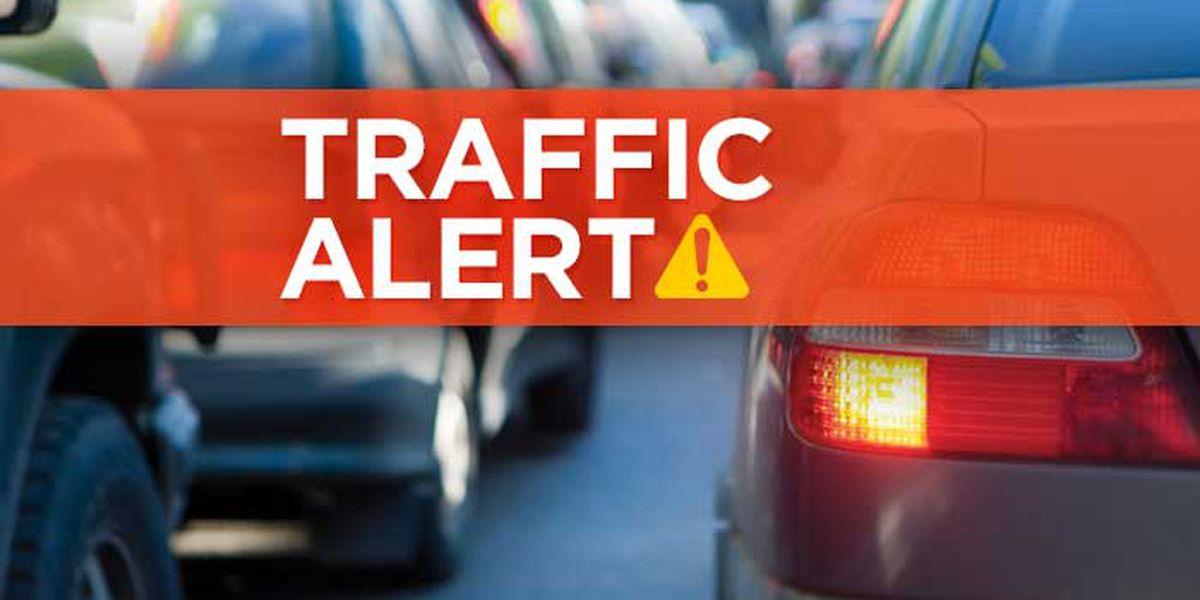Gas leak closes lanes on Jefferson Davis Highway, store evacuated