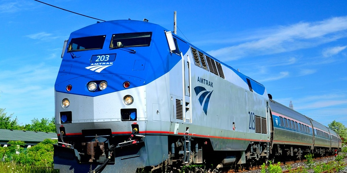 Buy one, get one free Valentine's Day sale on Amtrak trips
