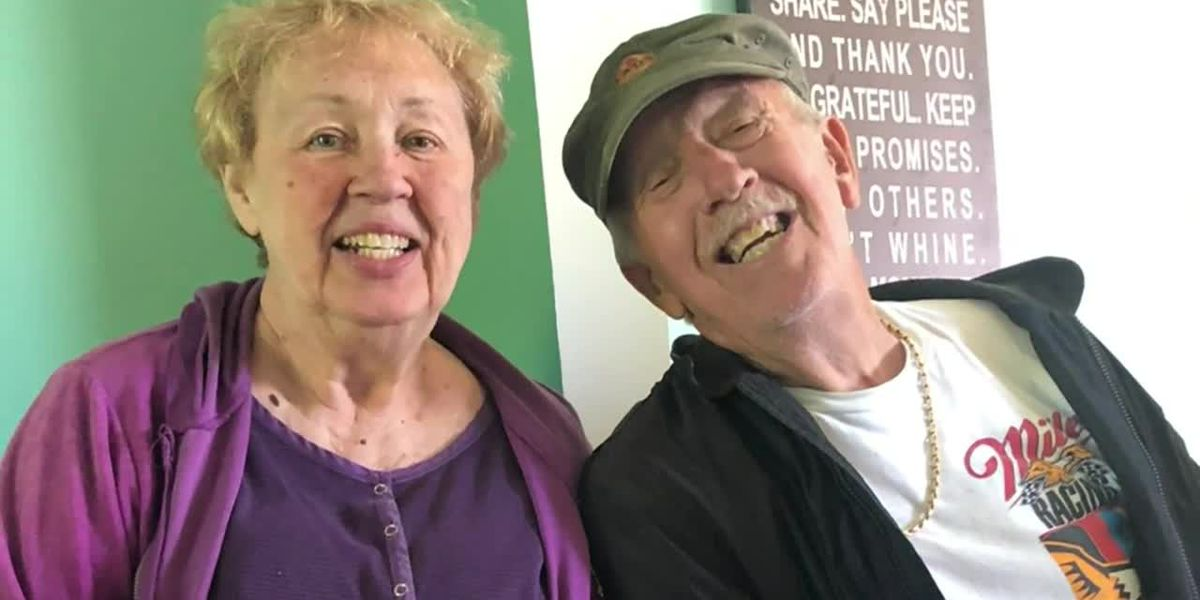 Michigan great-grandparents die of COVID-19 one minute apart