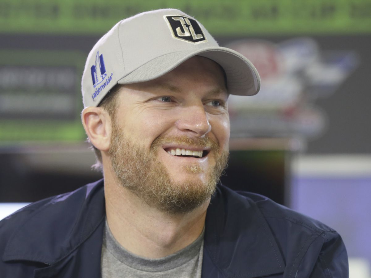 Dale Earnhardt Jr. to race at Richmond in September