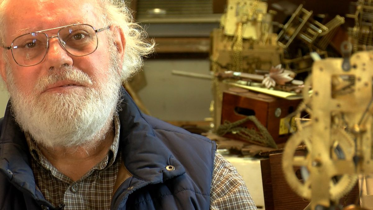 'It's a work of art that happens to tell time': Chesterfield man has repaired clocks for 52 years