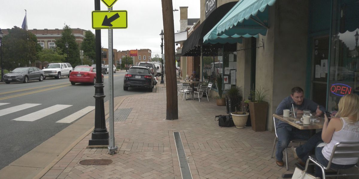 Louisa approves plan to have more outdoor seating on Main Street sidewalk