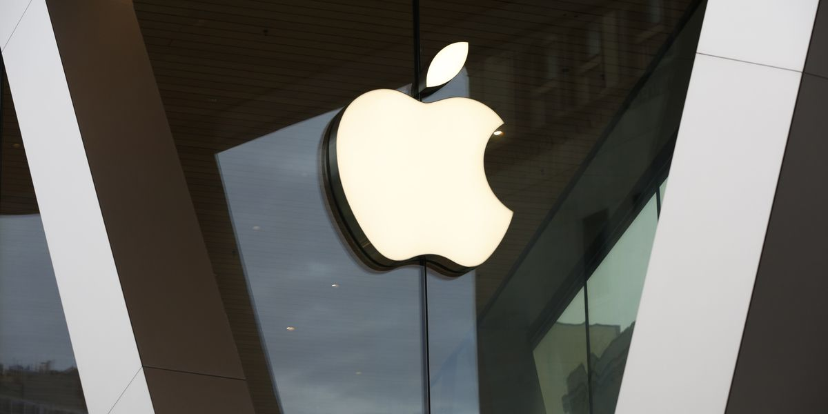 Apple, Google to adapt phones for virus infection tracking