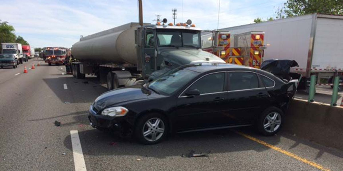 State Police vehicle, tractor-trailer involved in crash on I-95