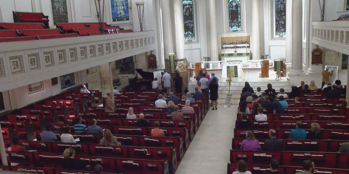 Organizations gather for interfaith prayer service on eve of Saturday's rally