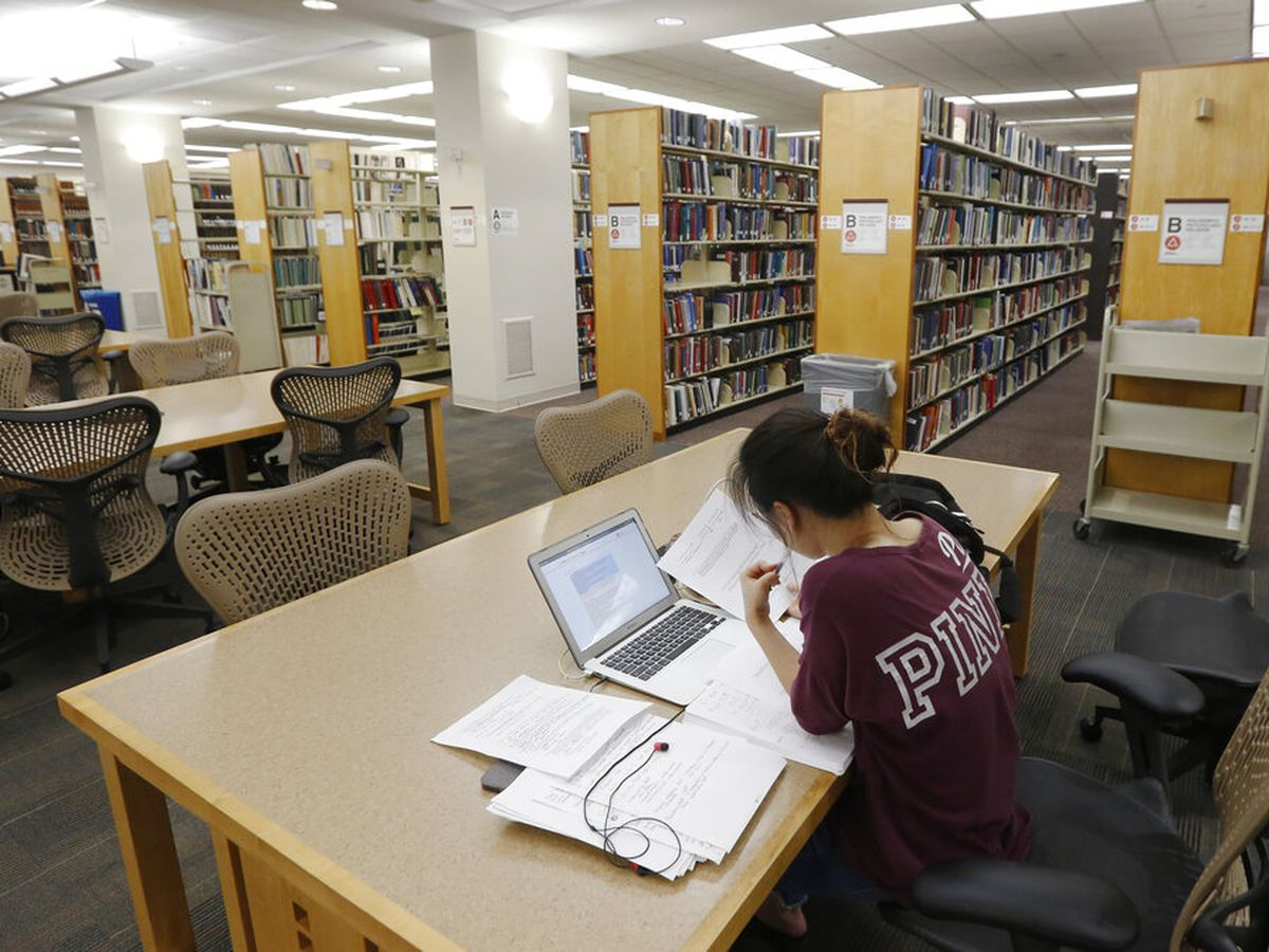 Ways to keep your student loan payment low after the September deadline