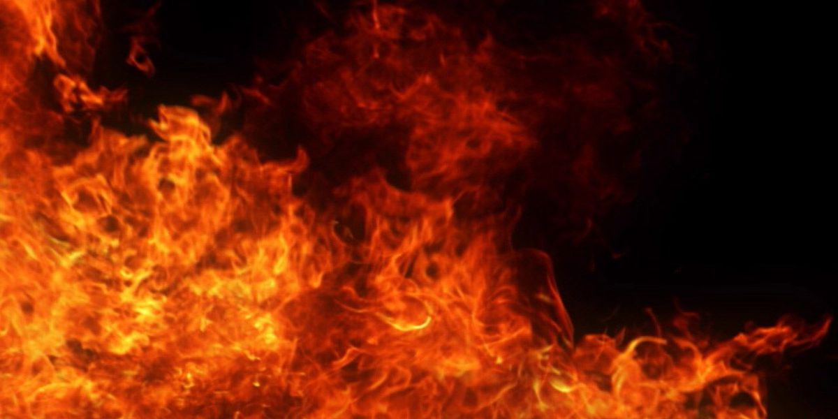 Vacant house caught on fire overnight in Petersburg